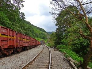 railroad-179278_1920